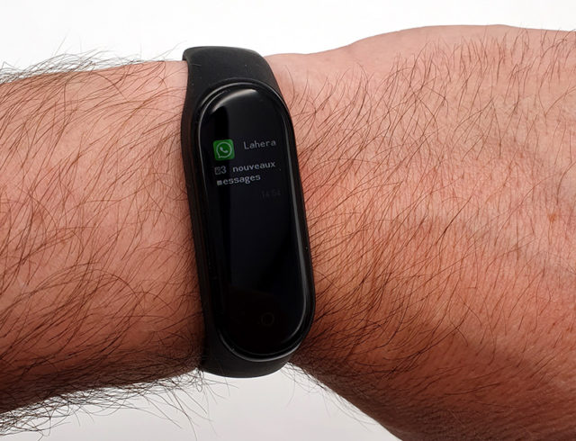 [test] Xiaomi Mi Smart Band 4, a Connected Wristband With an Unbeatable Price/quality Ratio