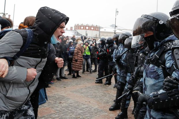 Navalny Protesters Detained Across Russia for a Second Weekend